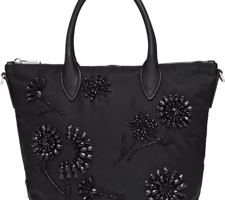 prada-embroideries-bag
